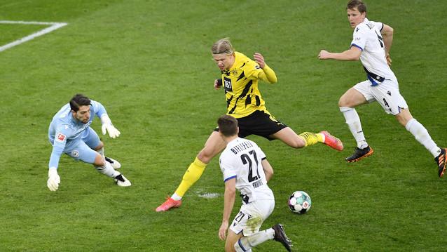 Борусия Мьонхенгладбах срещу Борусия Дортмунд