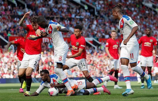 Кристъл Палас срещу Манчестър Юнайтед