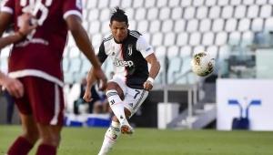 Ювентус продължи с победите към нов трофей в Серия А