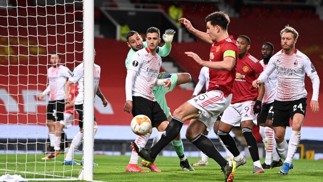Милан срещу Манчестър Юнайтед